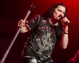 2017-05-13-Dream Theater014