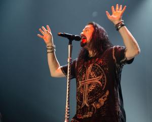 2017-05-13-Dream Theater038